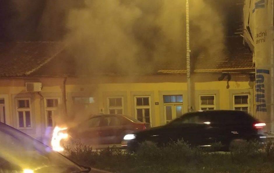 Podgorica: Dačia u plamenu! (FOTO)