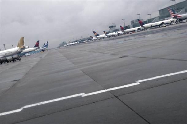 avion avioni pista aerodrom frankfurtski aerodrom pilot