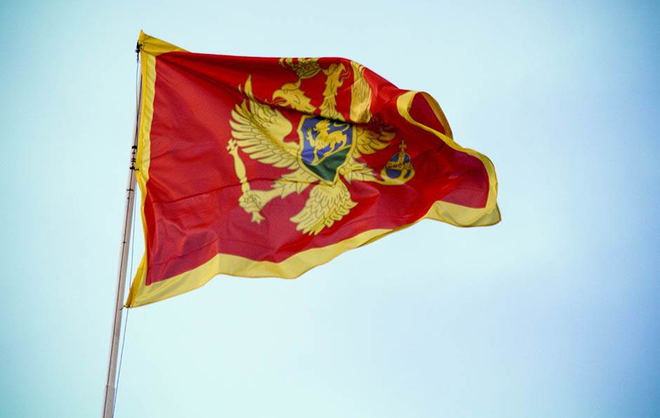 crna gora, zastava, crnogorci