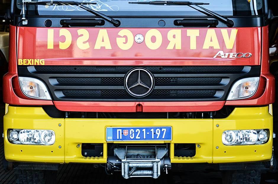 vatrogasci, žene vatrogasci, devojke, vatrogasna brigada,