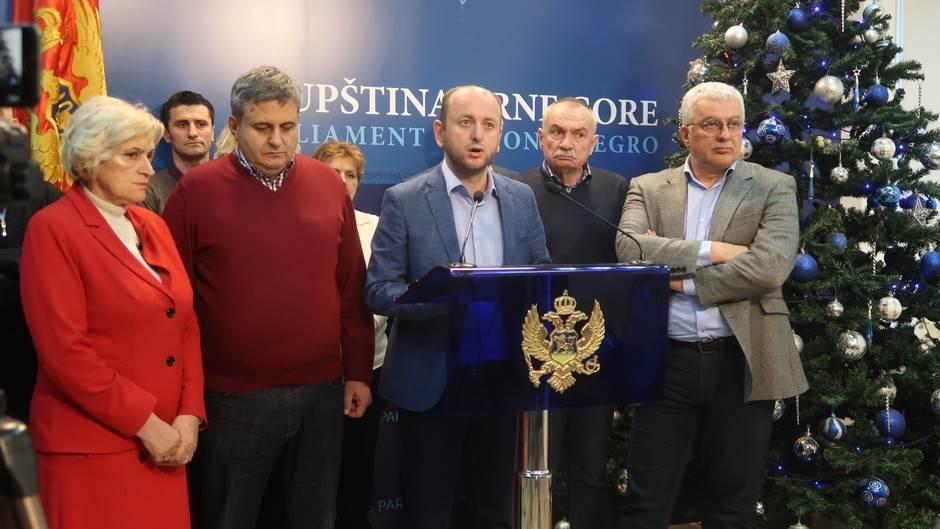 DF: Zabrana proslave skretanje pažnje sa korupcije