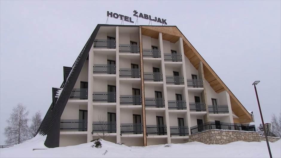 Obaraju rekorde: Hiljade turista na Žabljaku (FOTO)