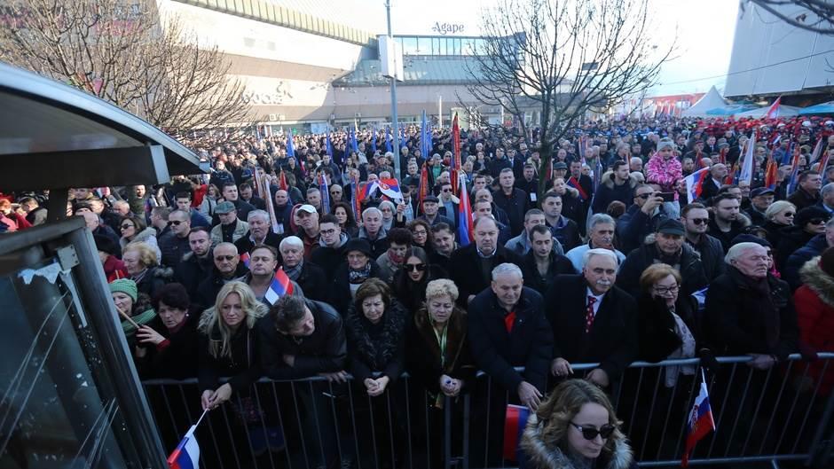Hrvati smenili ambasadora u BiH zbog Dana RS