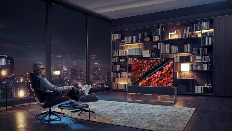 Prvi savitljiv TV, koji se rola (FOTO/VIDEO)