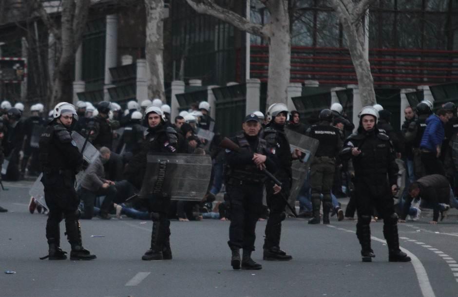 """Srbija: 300 privedenih poslije """"vječitog derbija"""""""