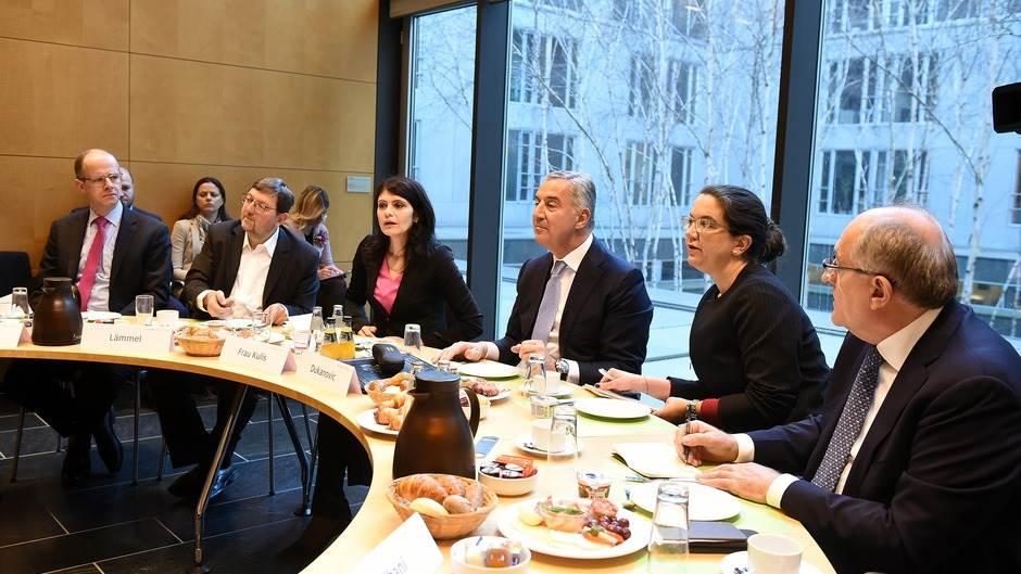 Johan David Vadeful: Crna Gora primjer državama regiona