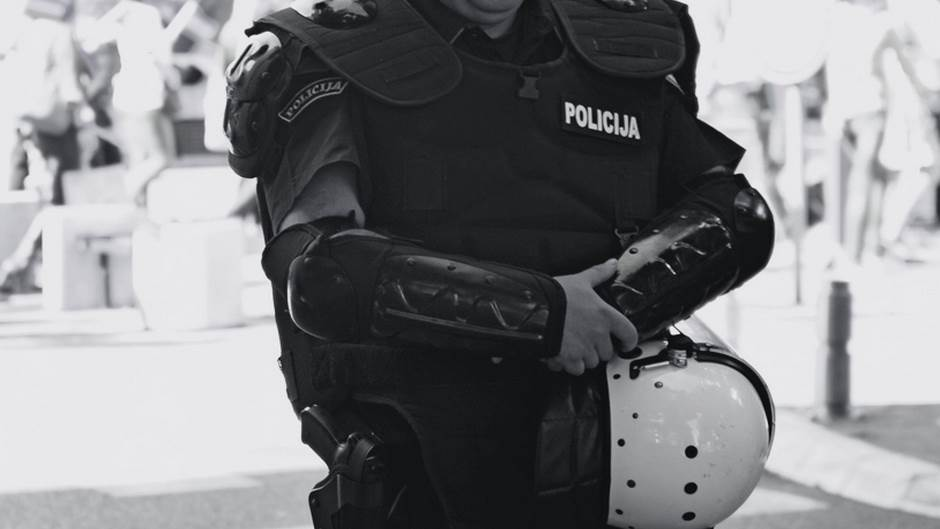 Policajac, Policija, Teambuilding