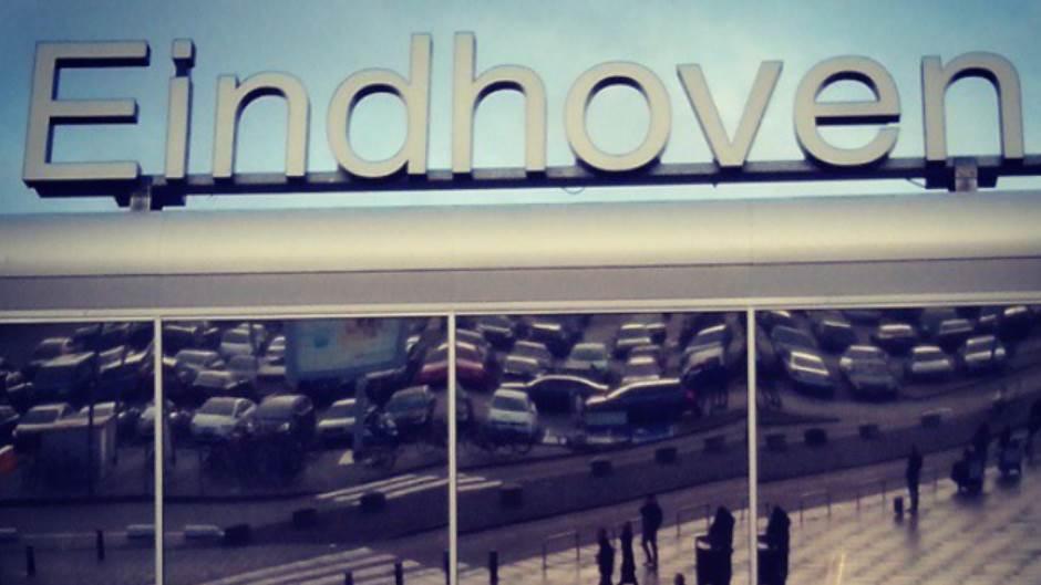 ajndhoven, aerodrom, holandija