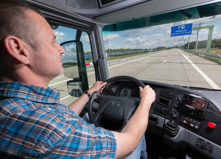 U Nemačkoj pušten autoput za kamione s pantografom FOTO