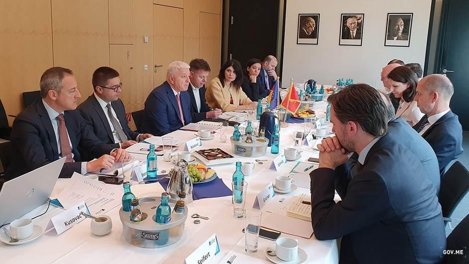 Crna Gora ne traži prečice i povlastice od Njemačke