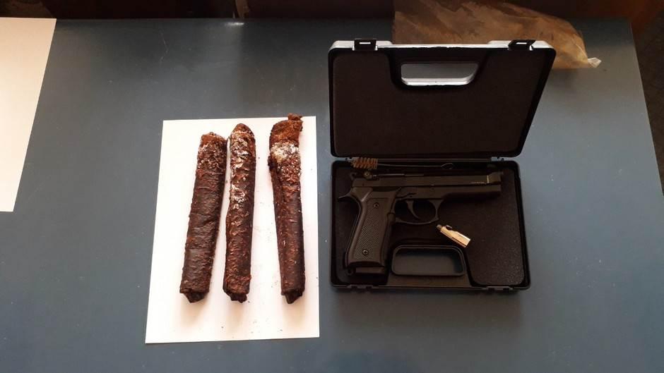oružje, pištolj, droga, eksploziv