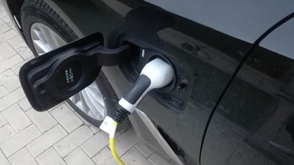 električni punjači, elektro punjači, punjač, električni automobili, elektro automobili, elektro vozila, automobili