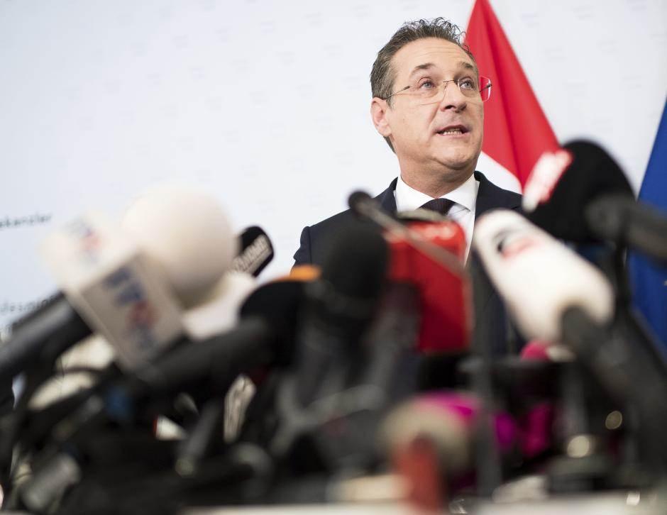 AUSTRIJU TRESE SKANDAL: Štrahe podneo ostavku!