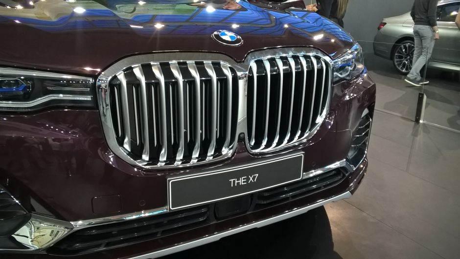 "URNEBES: Montirao ""bubrege"" sa BMW X7 na staru ""trojku"""