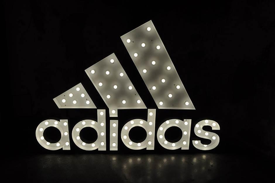 """""""Adidas"""" će morati da mijenja znak?"""