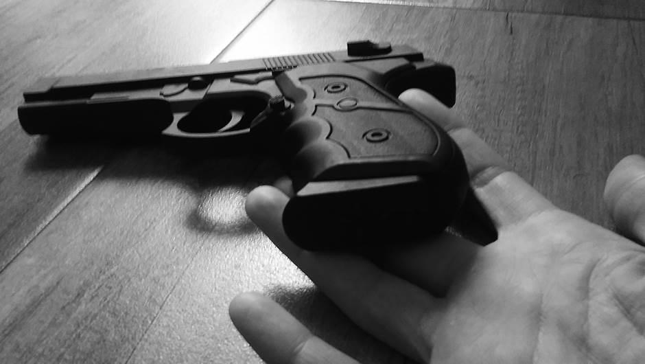 samoubistvo, pištolj, pucnjava