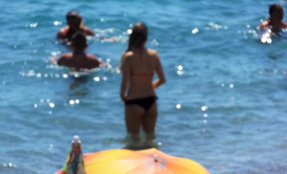 """Tangi na sutomorskoj plaži """"ni za lijek""""! (FOTO)"""