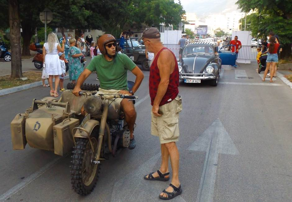Evo kako je bilo na oldtajmerskoj smotri u Baru! (FOTO)