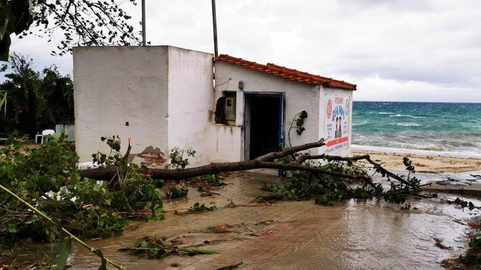 KATASTROFA u Grčkoj: Oluja odnijela ŠEST ŽIVOTA