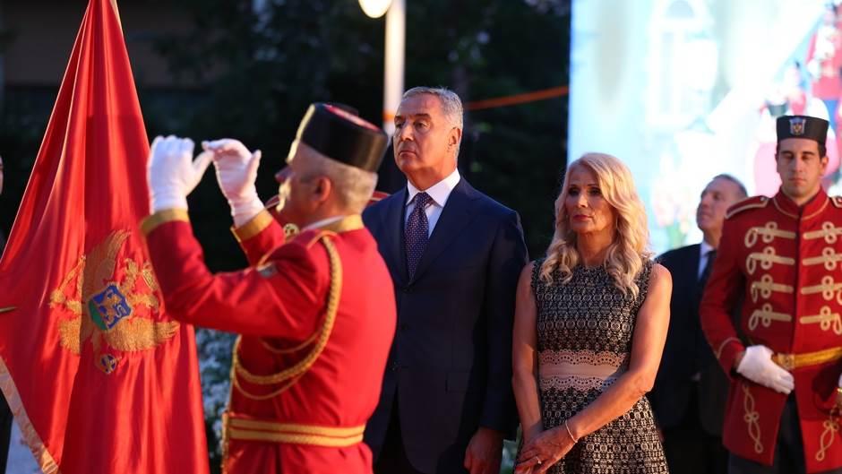 """""""Crna Gora već živi svoj evropski život,nek je vječna!"""""""