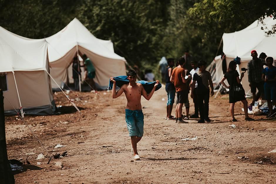 Brisel traži od BiH da HITNO riješi pitanje migranata