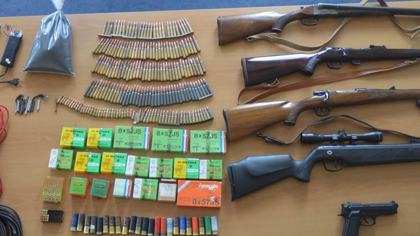 Pronađeno oružje i municija na Cetinju i u Kolašinu