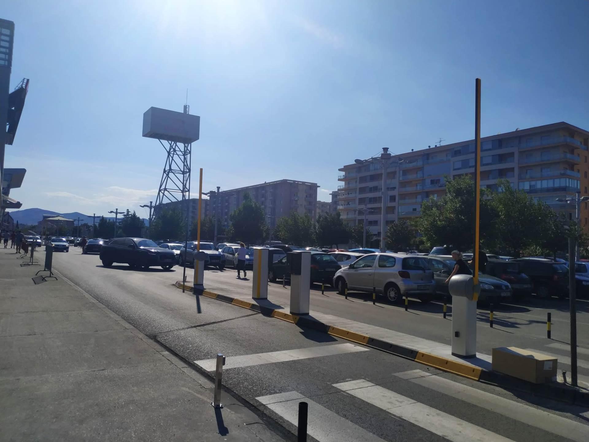 Postavljene naplatne rampe ispred Delte