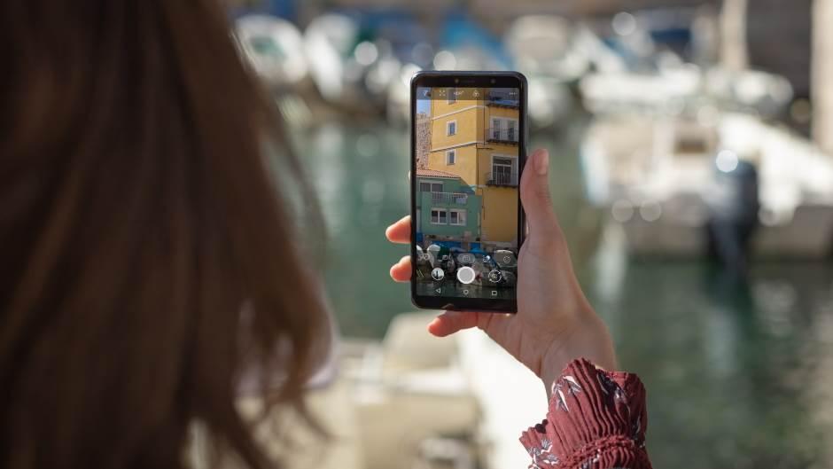 """Baterija 4.000 mAh,6"""" ekran, 3 kamere,cijena ispod 100€"""