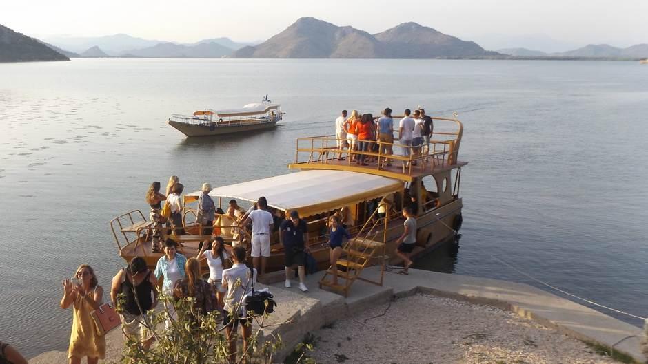 jezero, brod, krstarenje, turizam