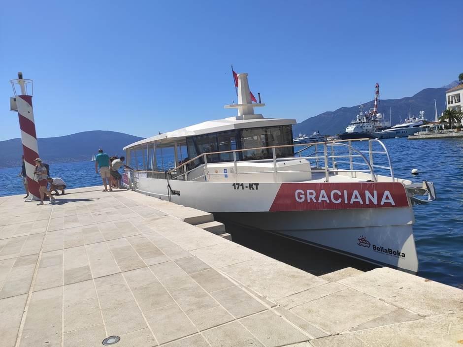 "Zaplovili smo ""Gracianom"" do Herceg Novog! (FOTO)"