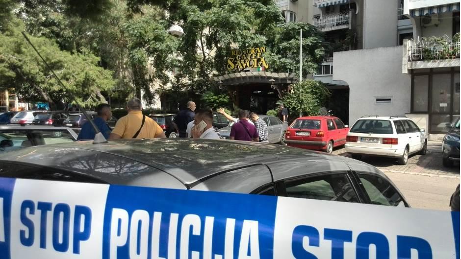 PANIKA U BARU: Maskirani muškarac upao u restoran