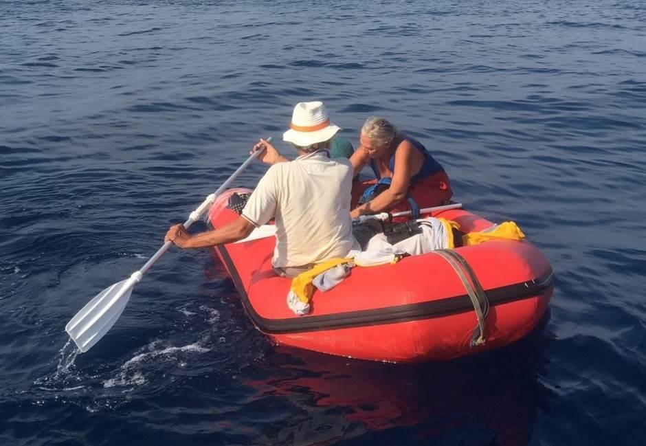 Spašavanje posade jedrilice