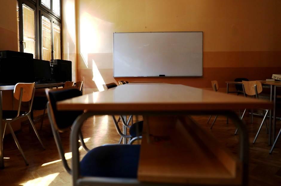 učionica, klupa, klupe, škola