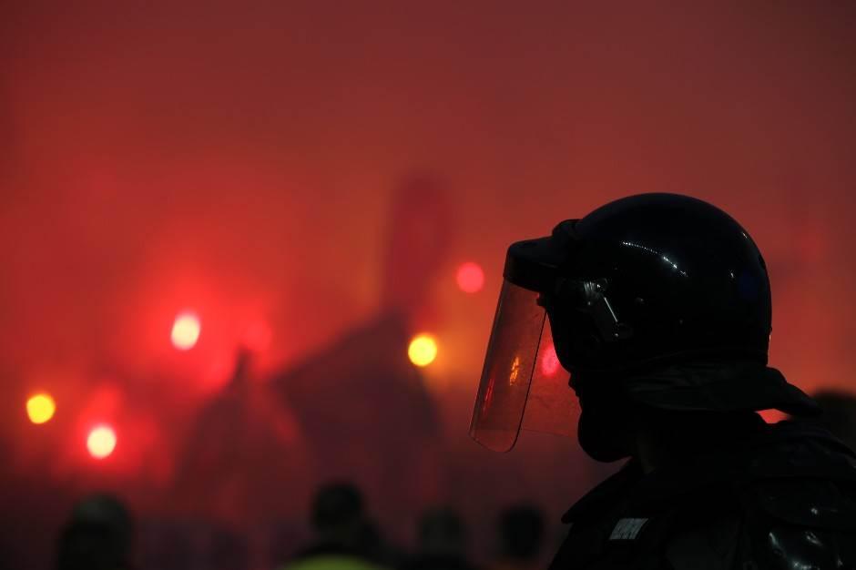 kup srbije, partizan, crvena zvezda, huligani, policija, žandarmerija, baklje, navijači