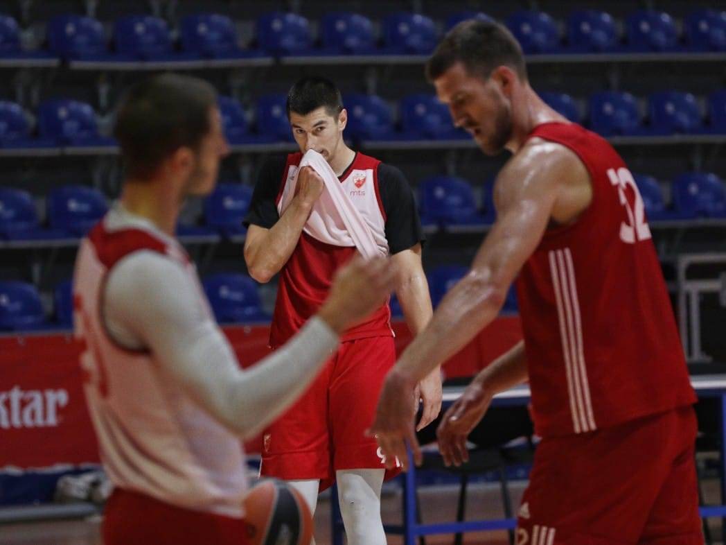 Košarkaši Crvena Zvezda