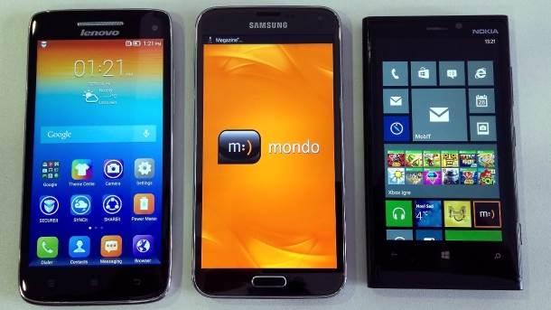 Galaxy S5 pored Lenovo Vibe X i Nokia Lumia 920 telefona.