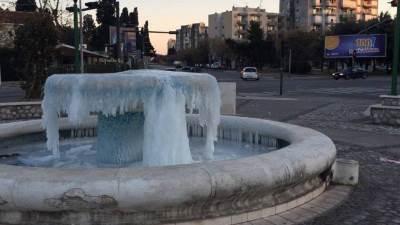 fontana podgorica led zima snijeg sneg