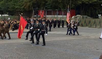 vojska cg na paradi