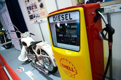 gorivo, pumpa, dizel, oldtajmeri, sajam automobila, beogradski sajam, automobili, kola, stari automobili