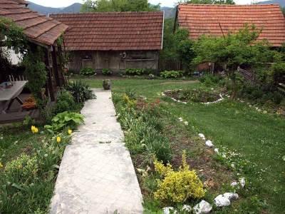 seoski turizam kosjerić, selo, dvorište