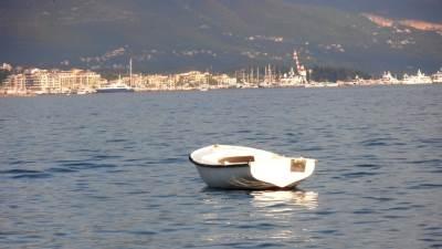 more barka tivat ljeto plaža