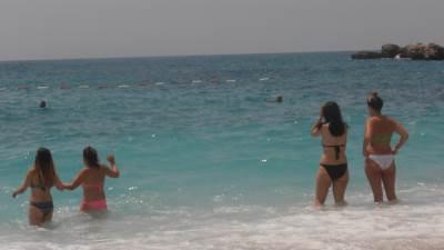 plaža drobni pijesak more ljeto