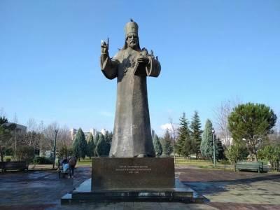 Petar I, spomenik