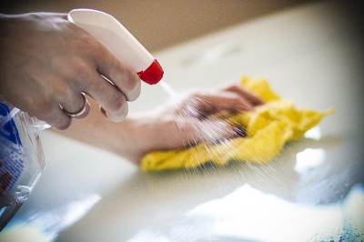 čišćenje, sredstvo za čišćenje, kućna hemija, čišćenje kuće, brisanje prašine