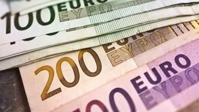 novac, evro, evri, strana valuta, valute, 100 evra, 200 evra pare