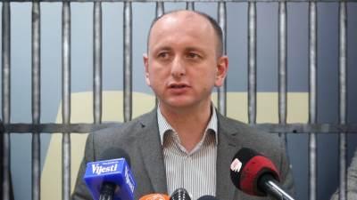 Milan Knežević rešetke