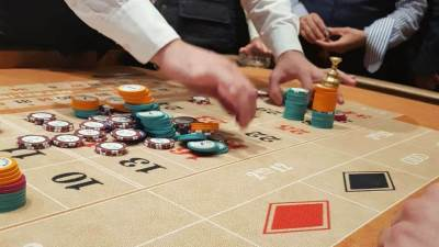 Kocka, kockar, klađenje, poker, kockari, kockarnica