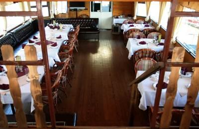 restoran kafana restorani ručak objekat splav gosti stolovi stolice klub