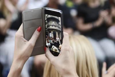 smartfon, mobilni telefon, verica rakočević, verica rakocevic, revija,