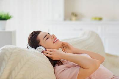 muzika, žena, opuštanje, slušanje muzike, slušalice